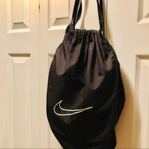 NIKE Draw string light weight backpack.